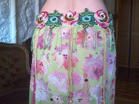 вышивка лифа для восточных танцев.
